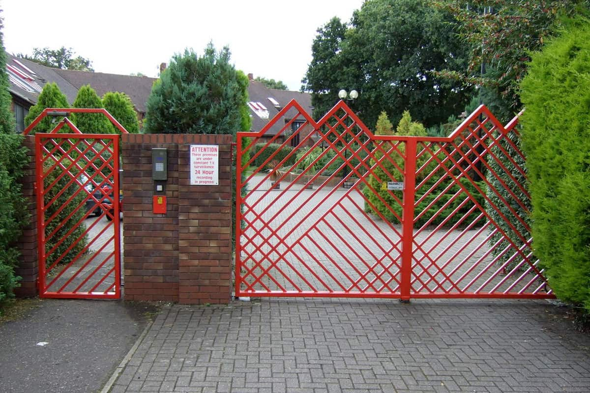 Security Single Red Swing Gate