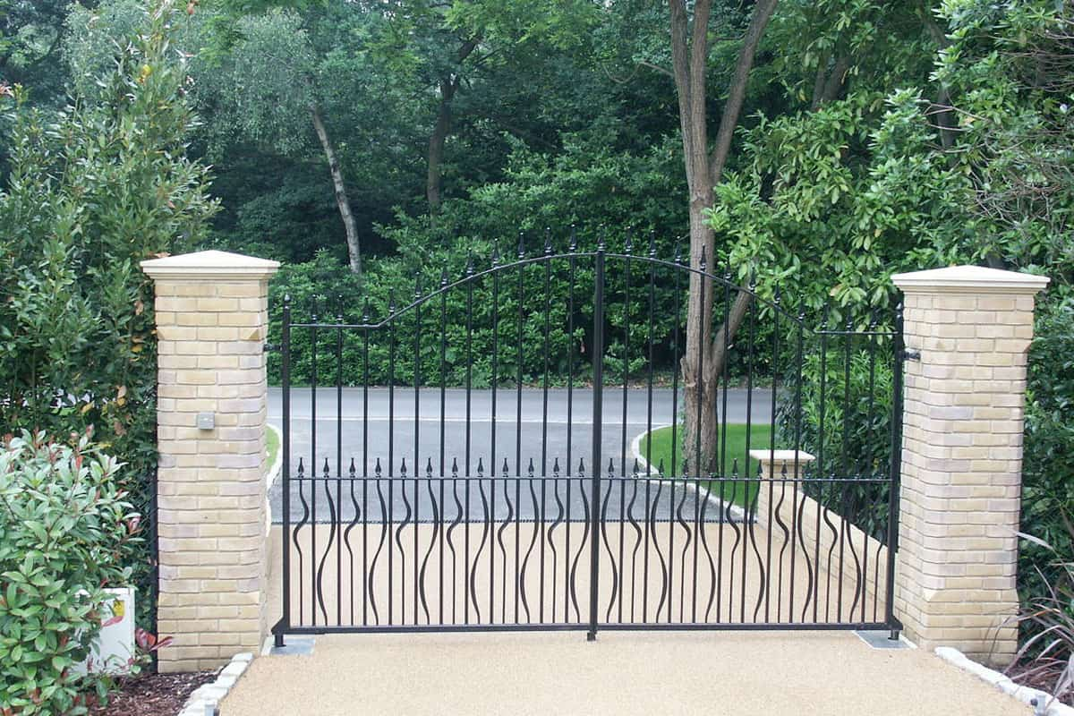 Metal Solid Square Bar Swing Gate