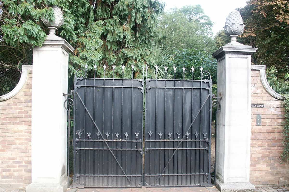 Black Automated Metal Gate