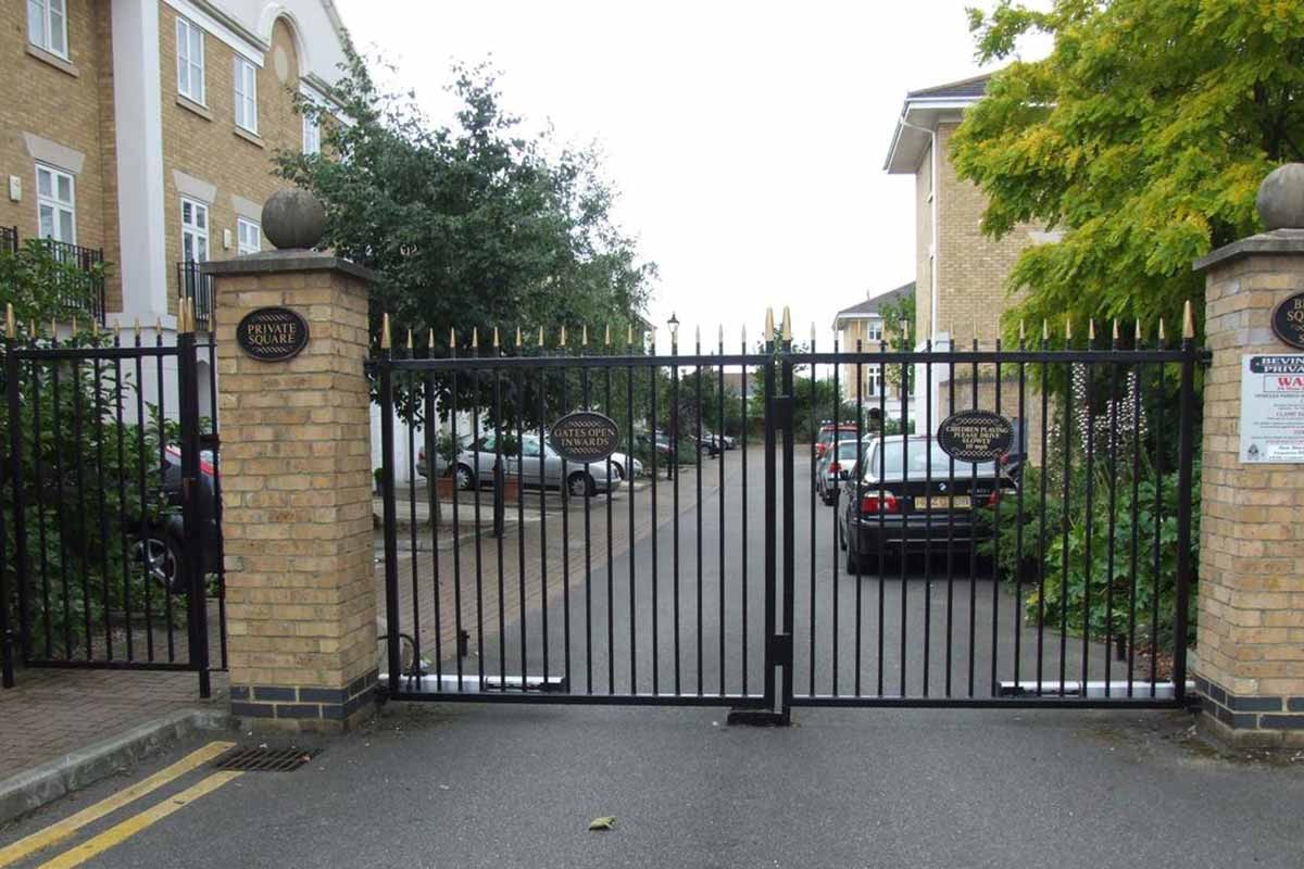 Automatic Double Swing Gate