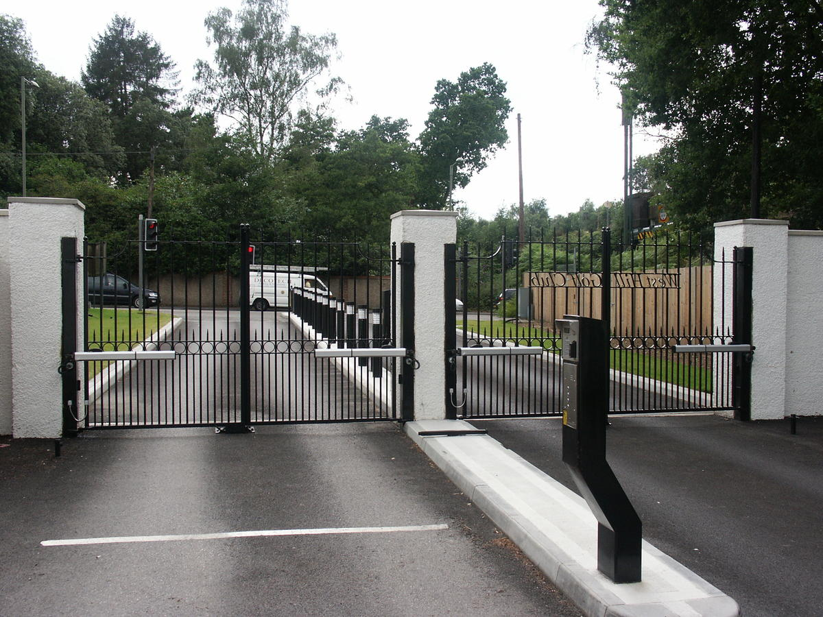Commercial Auto Swing Metal Frame Gates