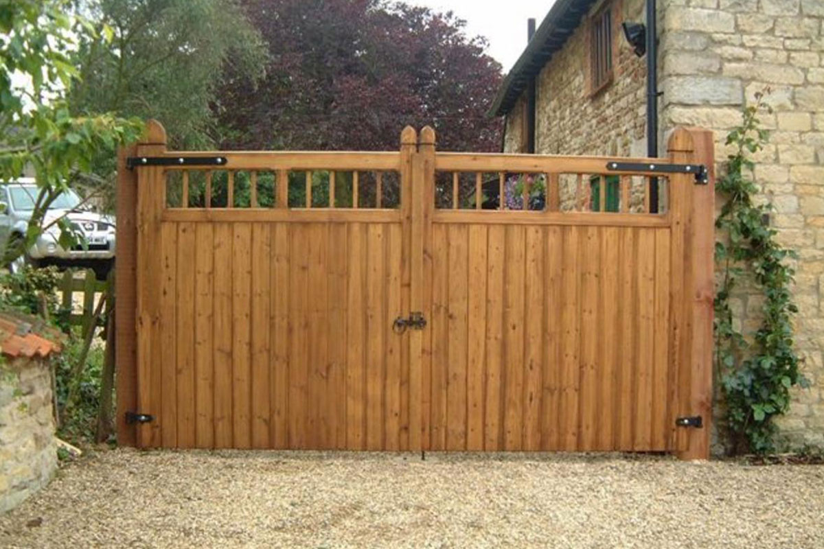 Red Timber Wood Entry Gates